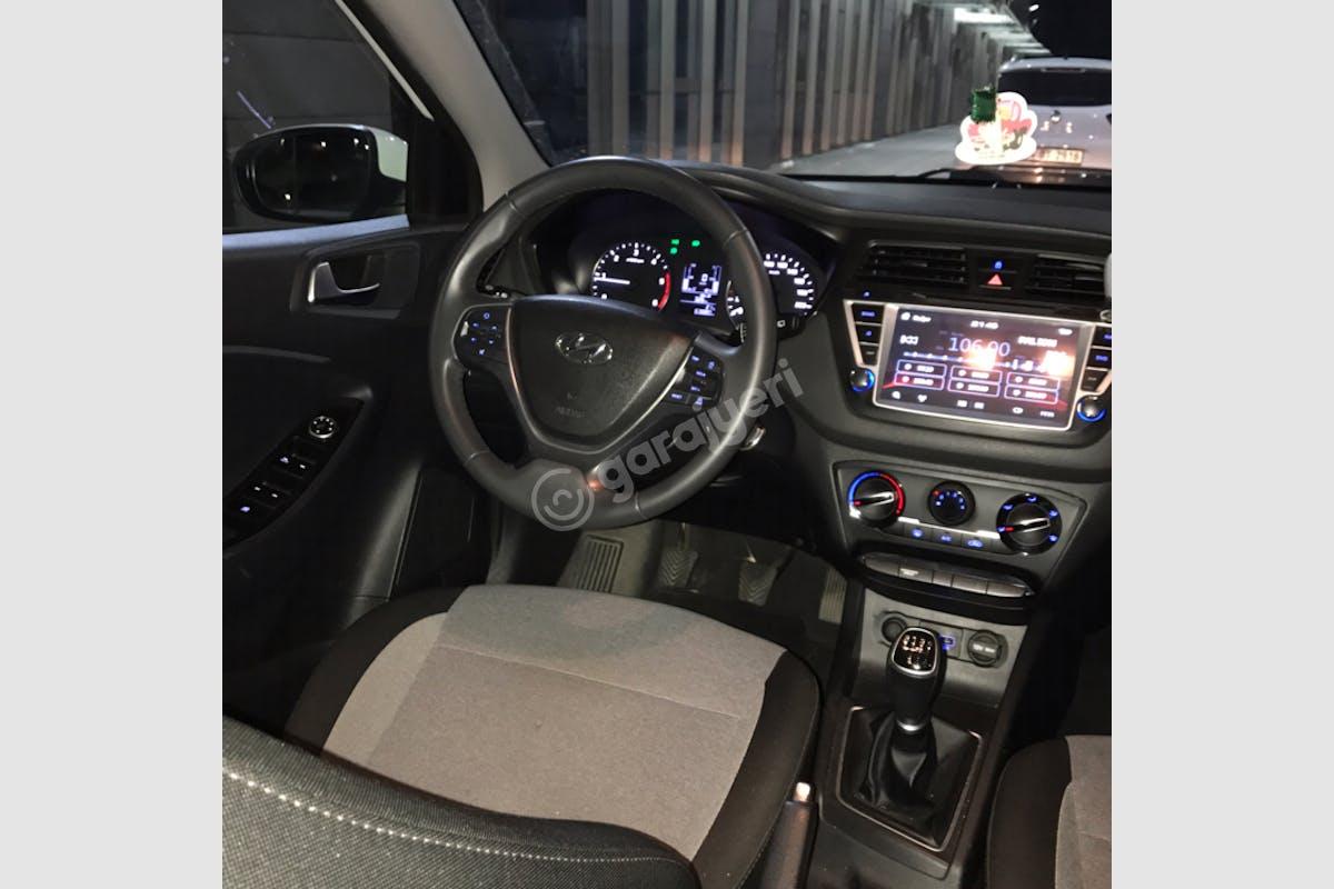 Hyundai i20 Şişli Kiralık Araç 4. Fotoğraf