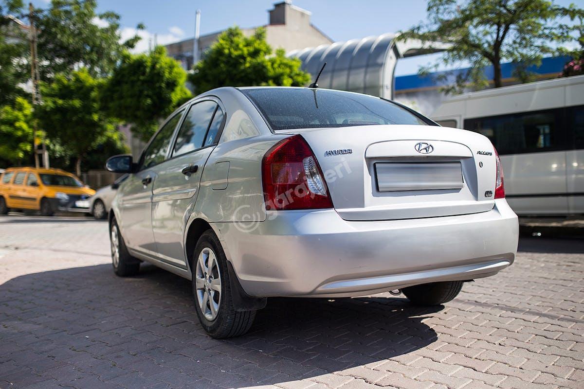 Hyundai Accent Bahçelievler Kiralık Araç 6. Fotoğraf