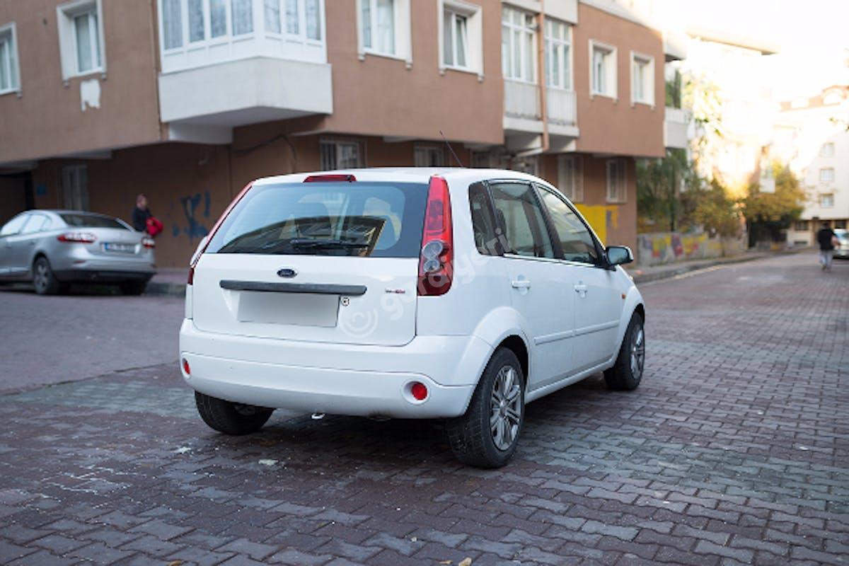 Ford Fiesta Bahçelievler Kiralık Araç 6. Fotoğraf