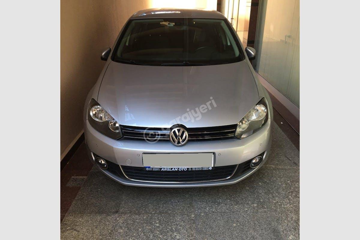 Volkswagen Golf Ümraniye Kiralık Araç 1. Fotoğraf