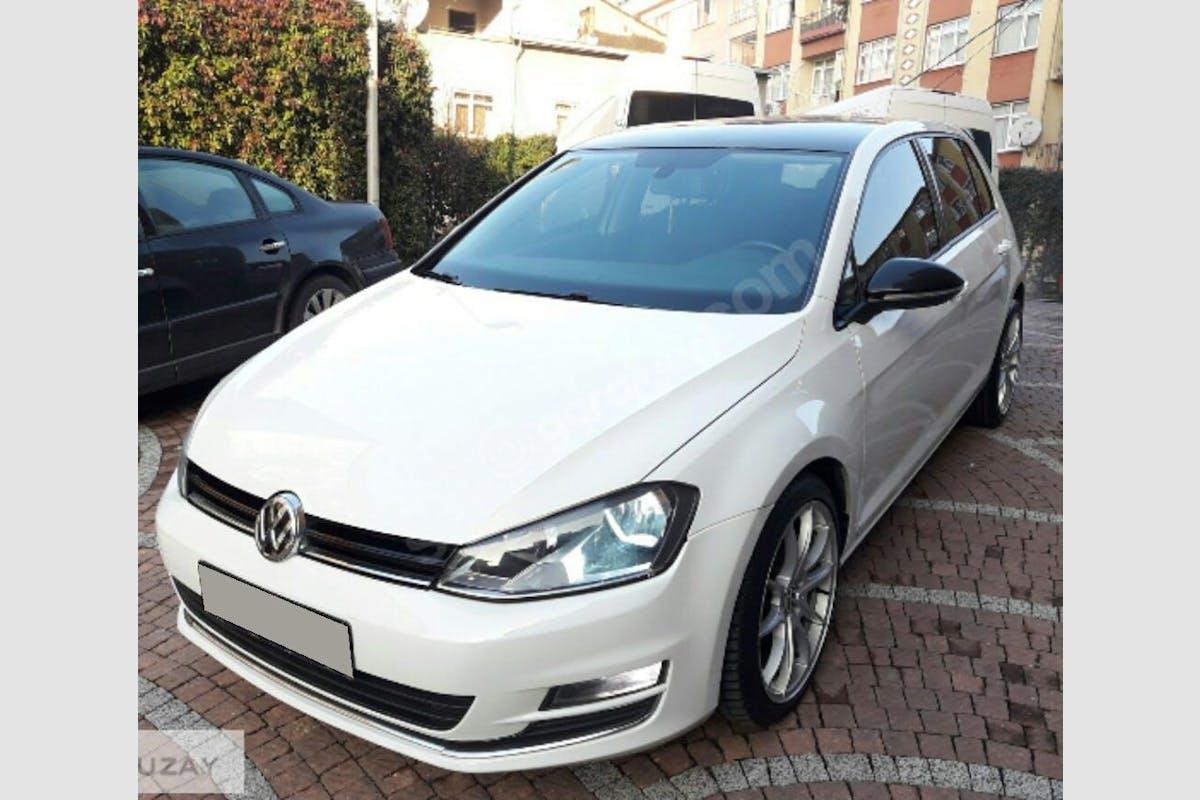 Volkswagen Golf Esenyurt Kiralık Araç 1. Fotoğraf