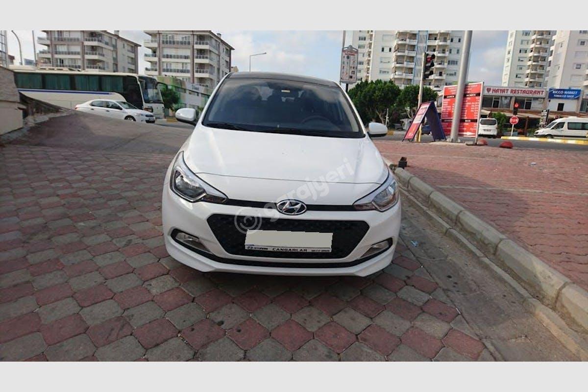 Hyundai i20 Aksu Kiralık Araç 1. Fotoğraf