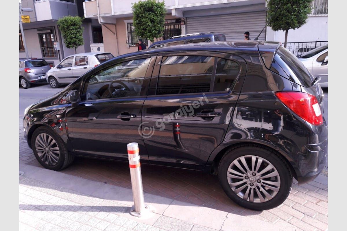Opel Corsa Küçükçekmece Kiralık Araç 2. Fotoğraf
