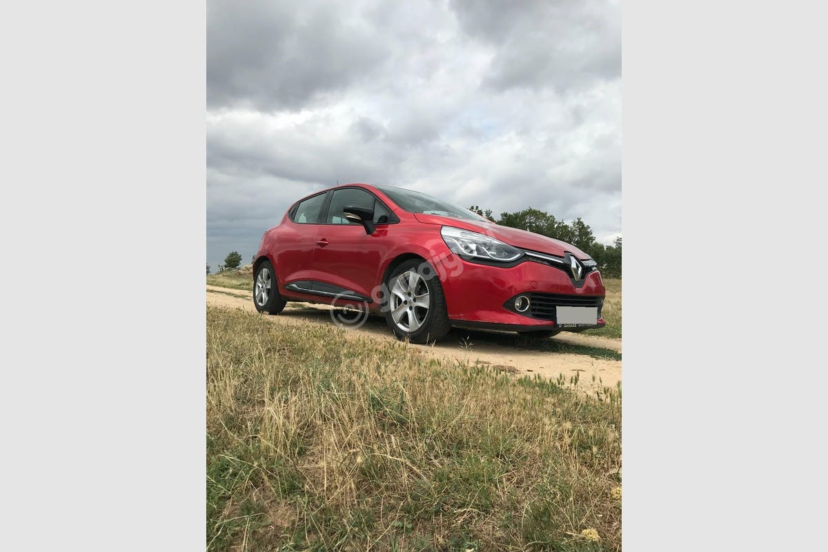 Renault Clio Şişli Kiralık Araç 3. Fotoğraf