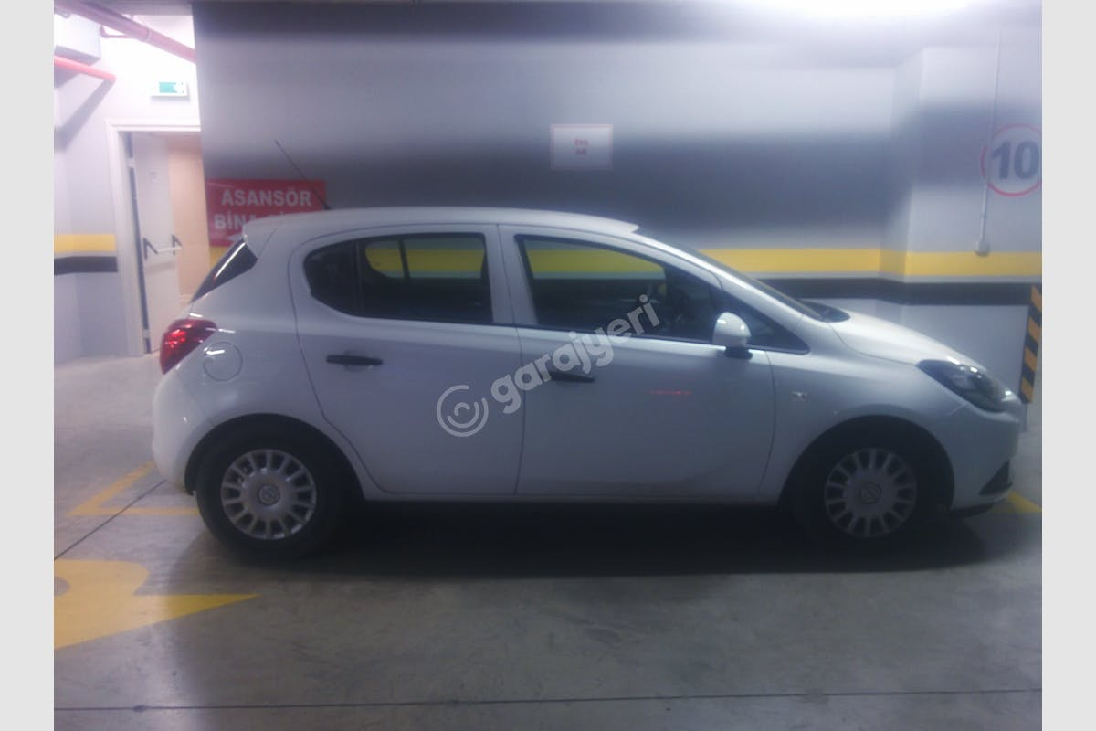 Opel Corsa Şişli Kiralık Araç 2. Fotoğraf