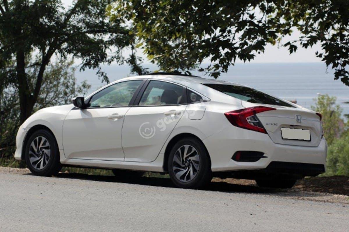 Honda Civic Beşiktaş Kiralık Araç 5. Fotoğraf