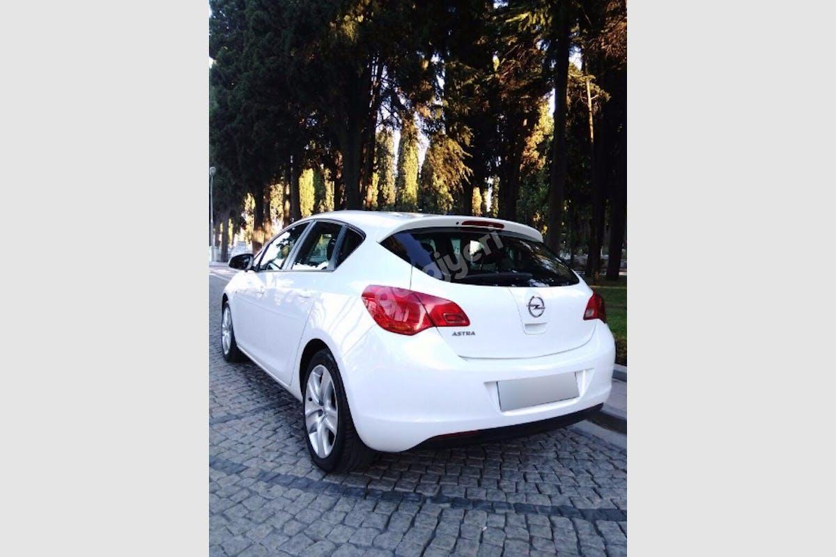 Opel Astra Gaziosmanpaşa Kiralık Araç 6. Fotoğraf