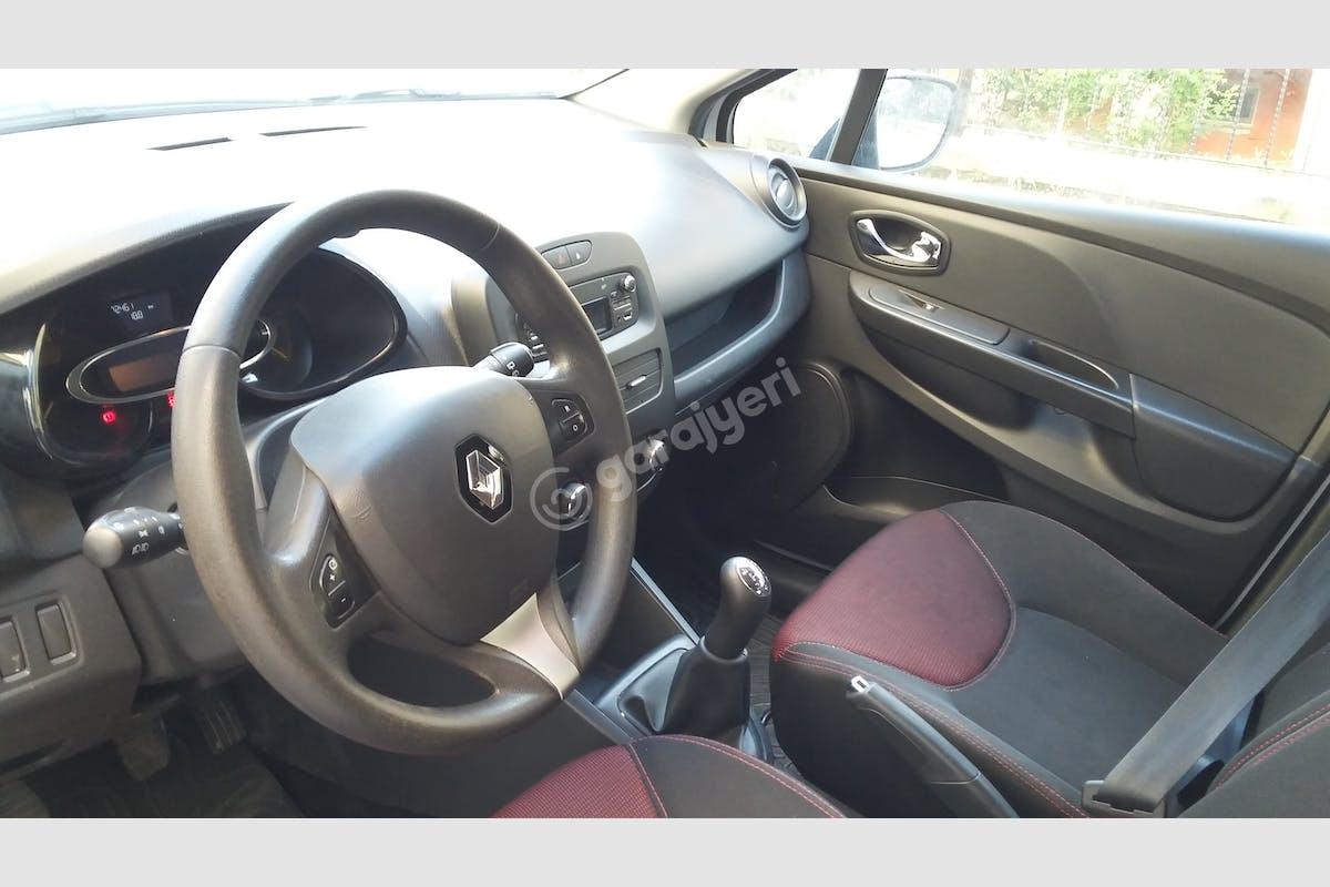 Renault Clio Eyüp Kiralık Araç 5. Fotoğraf