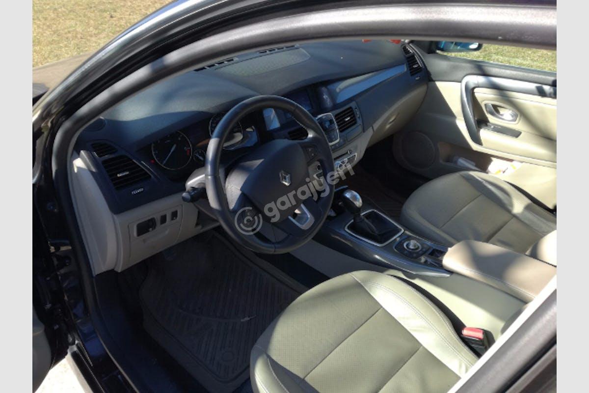 Renault Laguna Güzelbahçe Kiralık Araç 2. Fotoğraf