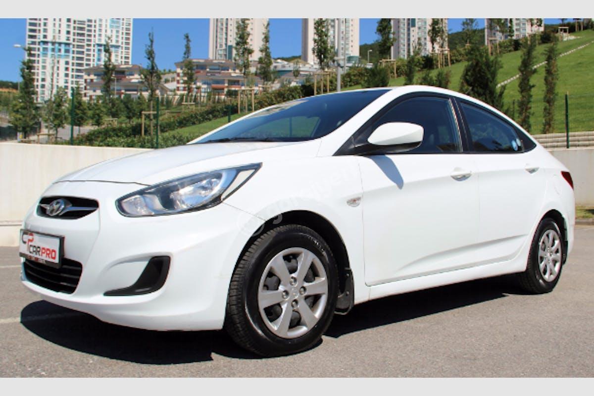 Hyundai Accent Blue Maltepe Kiralık Araç 5. Fotoğraf