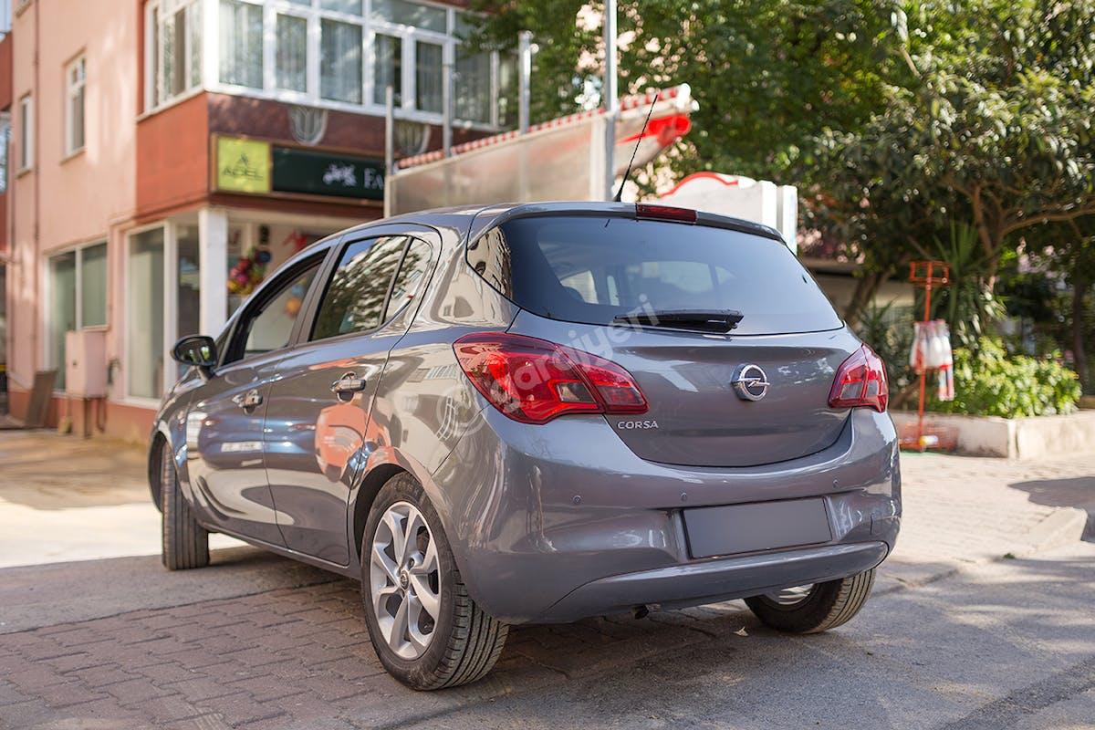 Opel Corsa Kadıköy Kiralık Araç 5. Fotoğraf