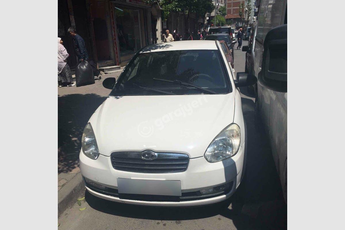 Hyundai Accent Era Zeytinburnu Kiralık Araç 1. Fotoğraf