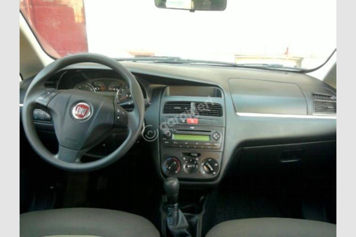 Fiat Linea Bağcılar Kiralık Araç 9. Fotoğraf