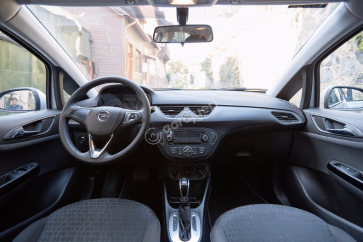 Opel Corsa Bakırköy Kiralık Araç 7. Fotoğraf