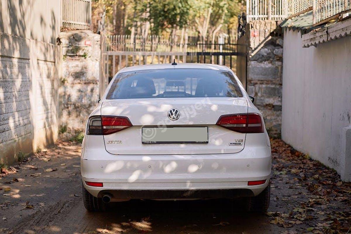 Volkswagen Jetta Sarıyer Kiralık Araç 3. Fotoğraf