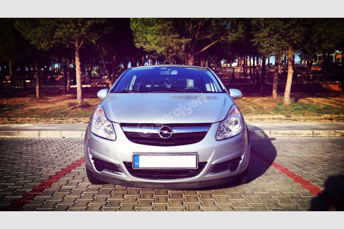 Opel Corsa Merkez Kiralık Araç 3. Fotoğraf