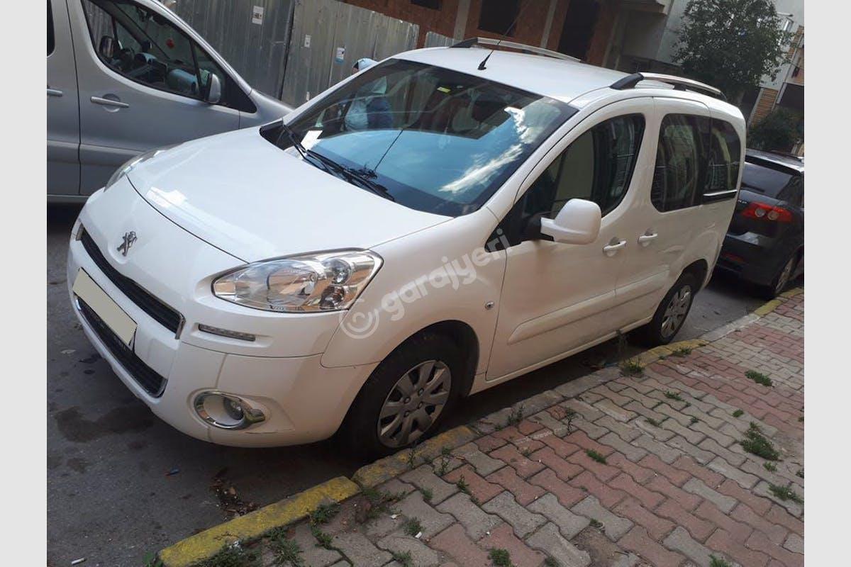 Peugeot Partner Ümraniye Kiralık Araç 2. Fotoğraf