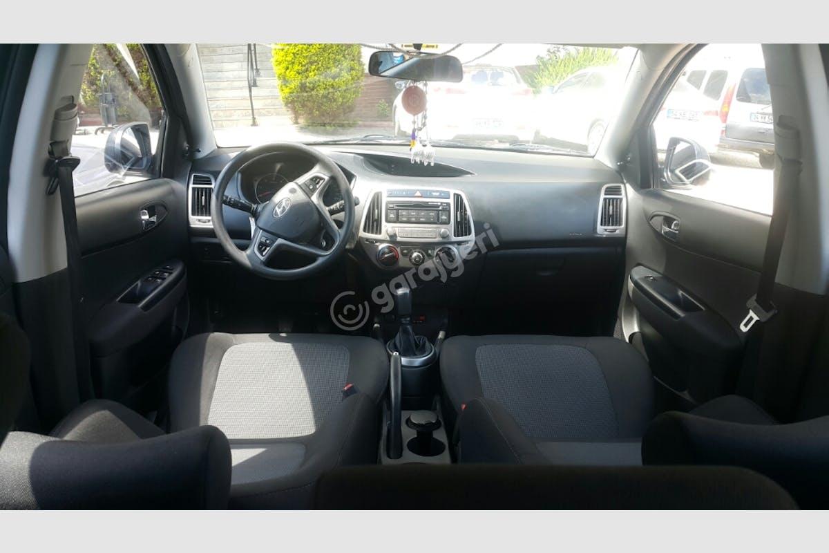Hyundai i20 Ümraniye Kiralık Araç 6. Fotoğraf