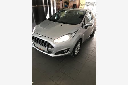 Kiralık Ford Fiesta , İzmir Bergama