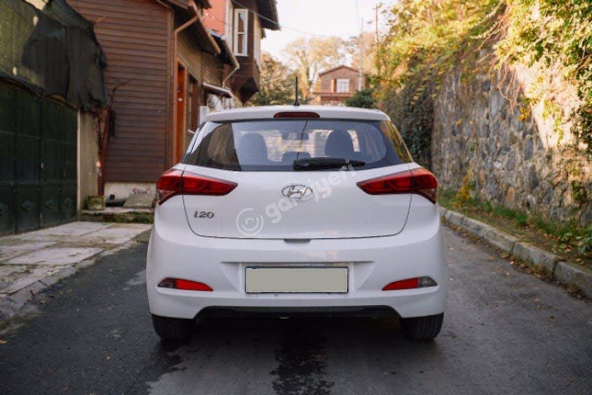Hyundai i20 Bahçelievler Kiralık Araç 5. Fotoğraf