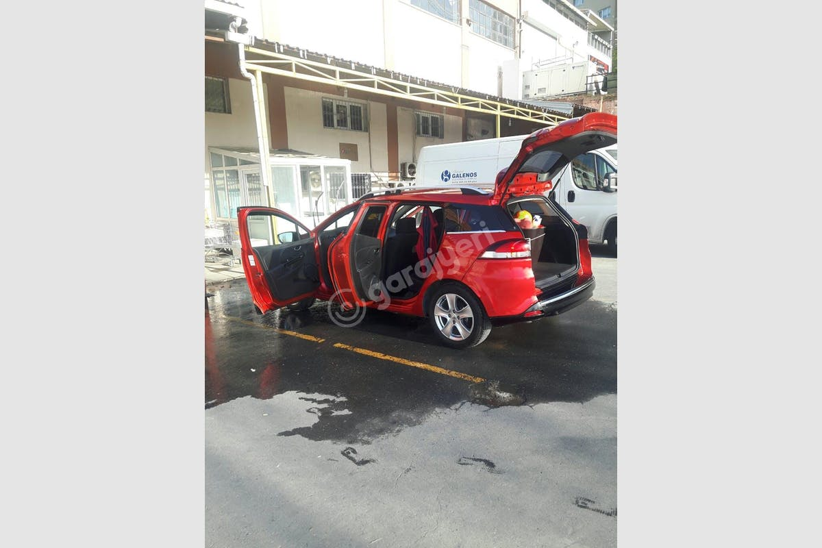 Renault Clio Sarıyer Kiralık Araç 2. Fotoğraf