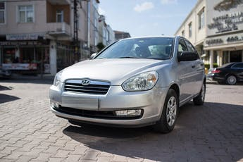 Hyundai Accent Kiralık Araç