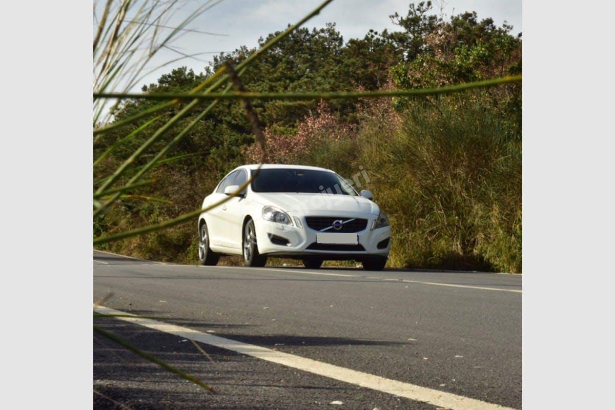 Volvo S60 Avcılar Kiralık Araç 4. Fotoğraf