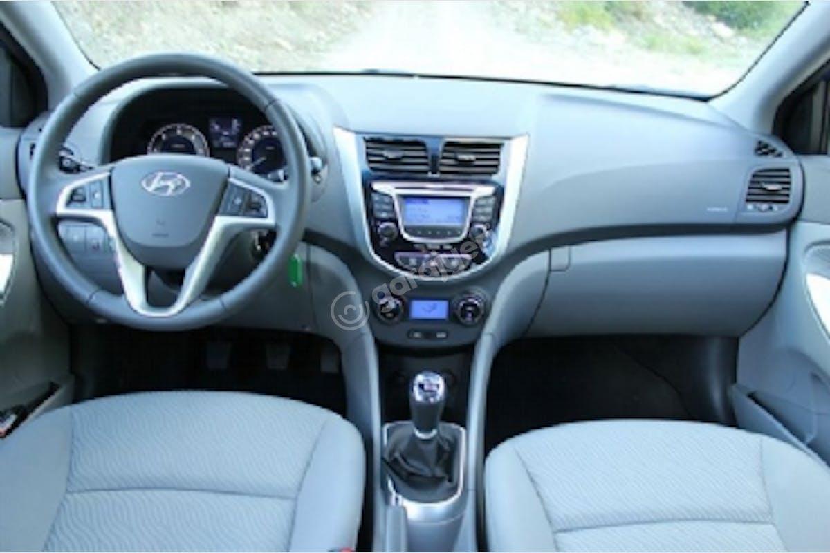 Hyundai Accent Blue Bodrum Kiralık Araç 3. Fotoğraf