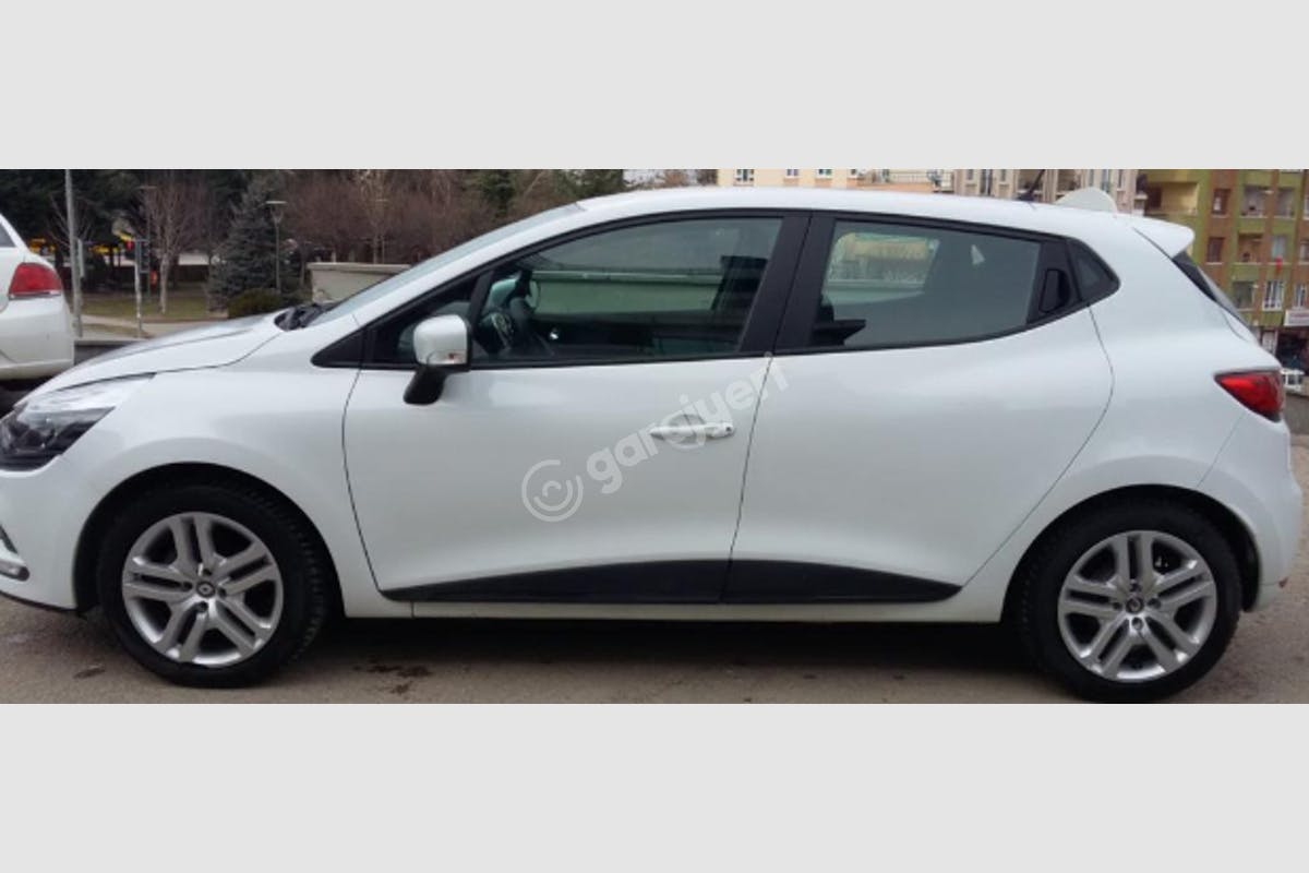 Renault Clio Çankaya Kiralık Araç 5. Fotoğraf