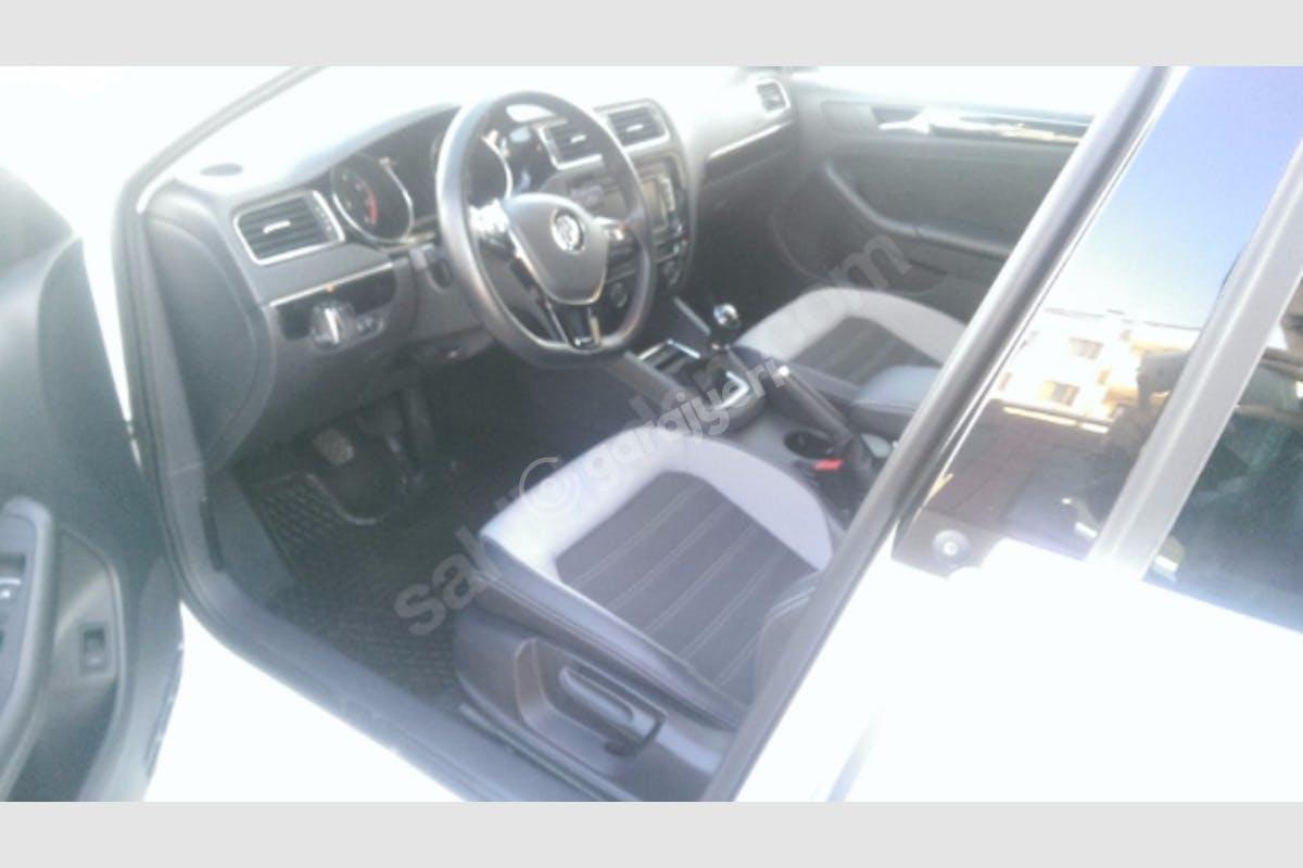 Volkswagen Jetta Çankaya Kiralık Araç 2. Fotoğraf
