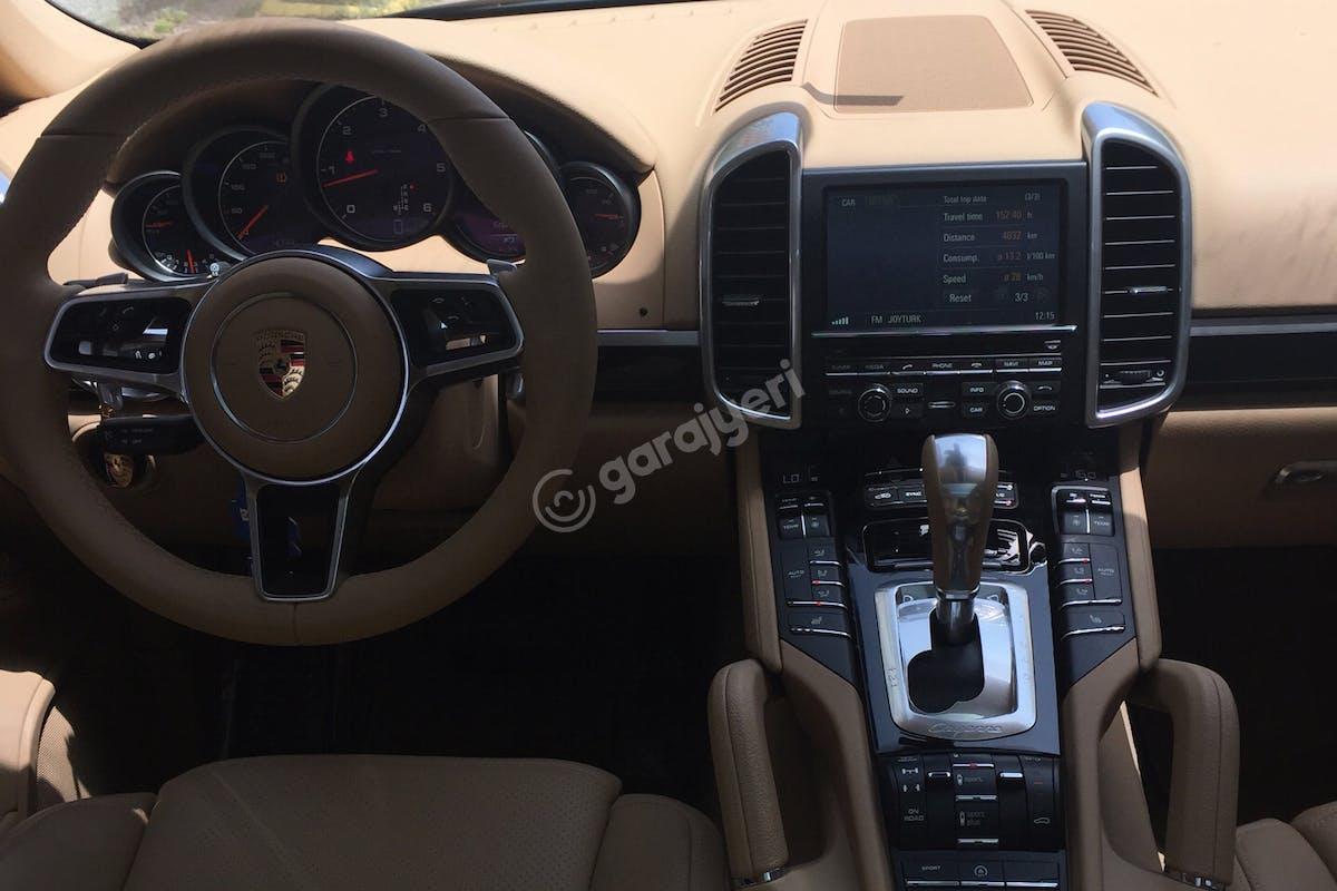 Porsche Cayenne Sarıyer Kiralık Araç 6. Fotoğraf