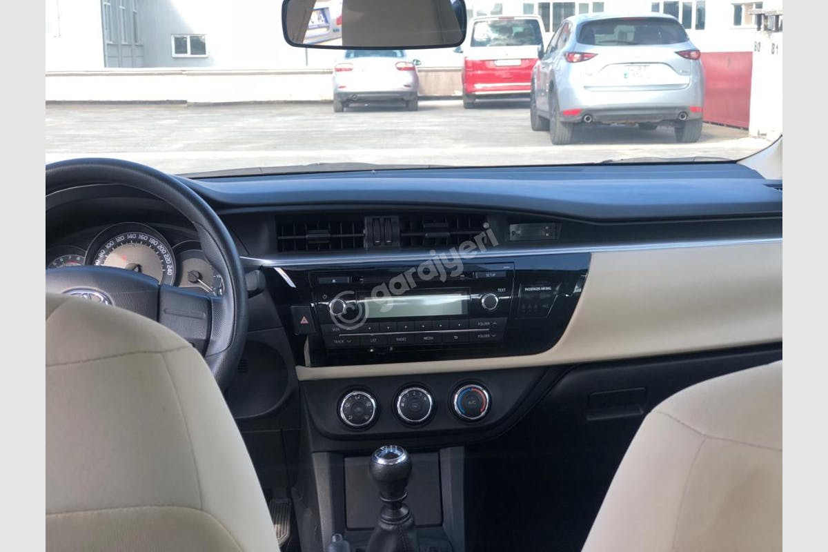 Toyota Corolla Eyüp Kiralık Araç 5. Fotoğraf