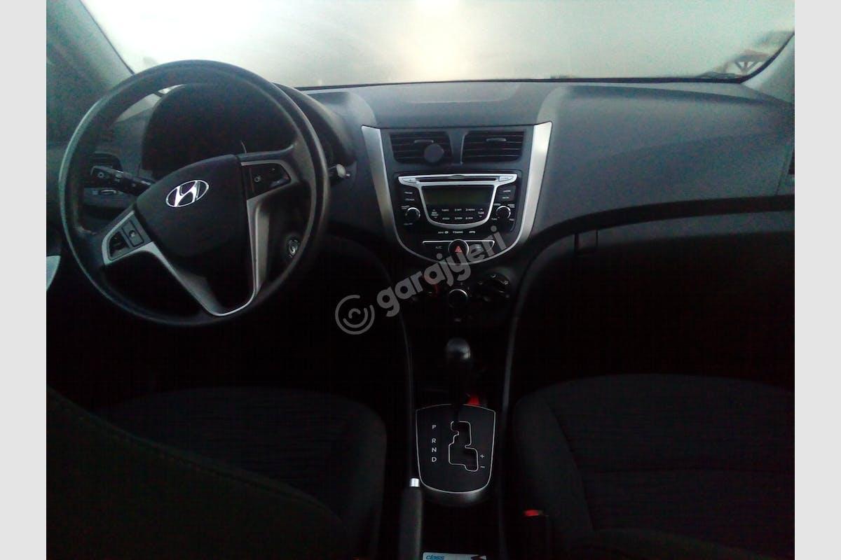 Hyundai Accent Blue Sancaktepe Kiralık Araç 3. Fotoğraf