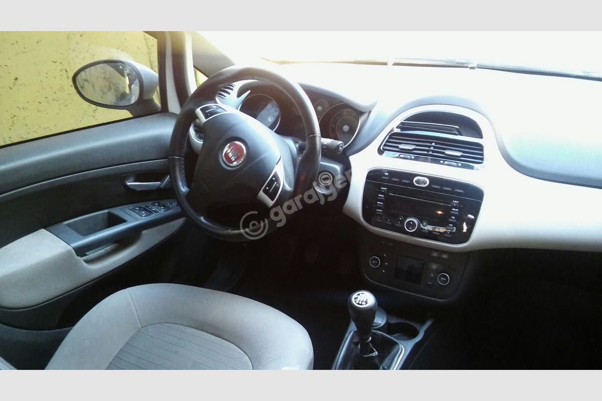 Fiat Linea Sultangazi Kiralık Araç 5. Fotoğraf