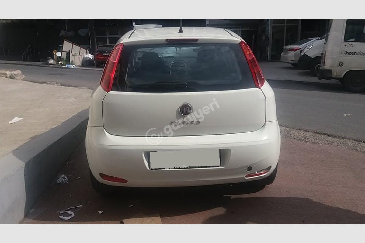 Fiat Punto Küçükçekmece Kiralık Araç 4. Fotoğraf