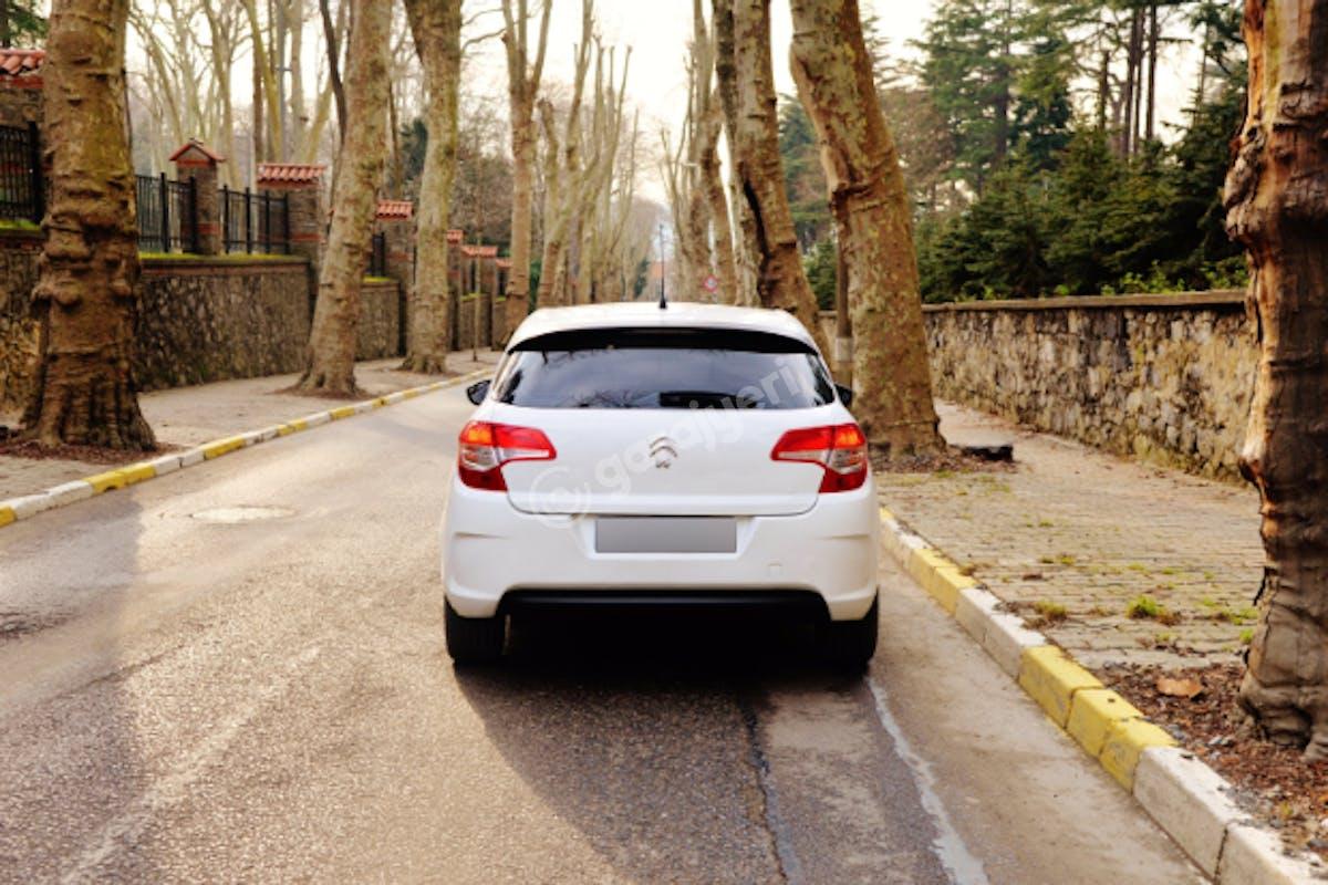 Citroën C4 Kadıköy Kiralık Araç 7. Fotoğraf