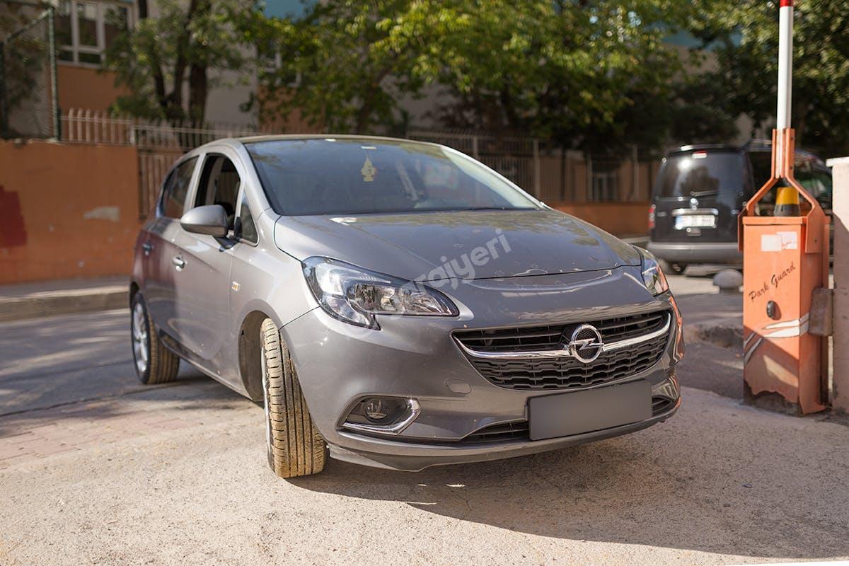 Opel Corsa Kadıköy Kiralık Araç 3. Fotoğraf