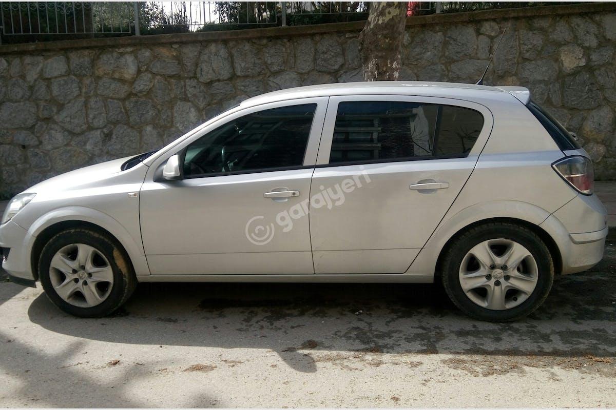 Opel Astra Ümraniye Kiralık Araç 4. Fotoğraf