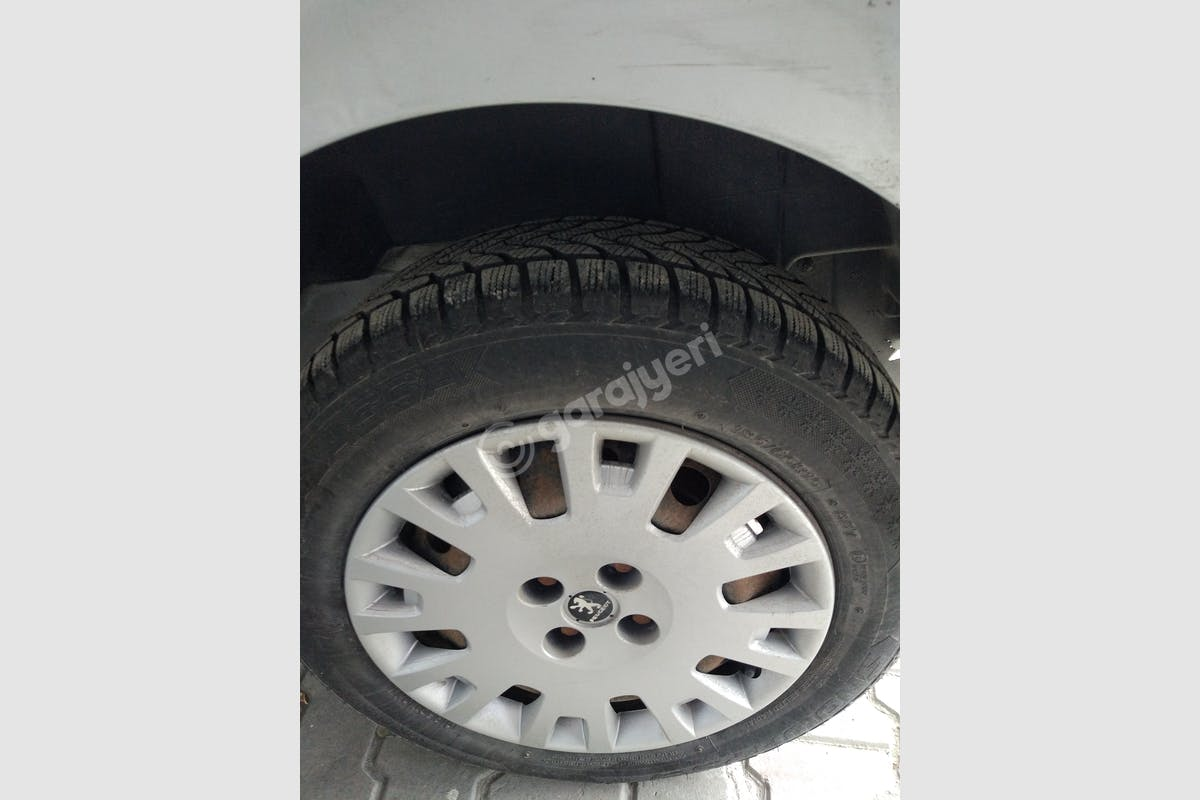 Peugeot Bipper Beylikdüzü Kiralık Araç 7. Fotoğraf