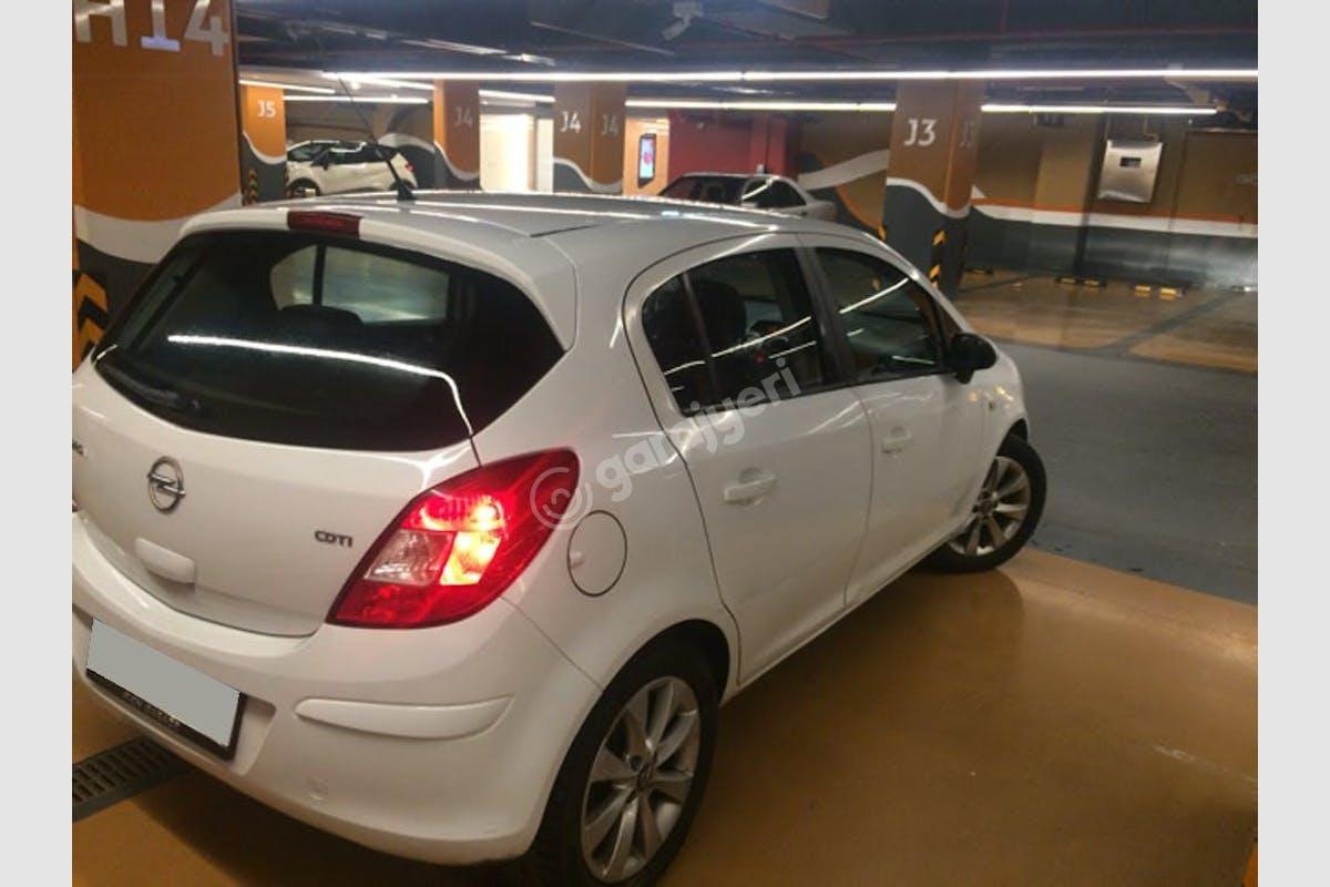 Opel Corsa Üsküdar Kiralık Araç 2. Fotoğraf