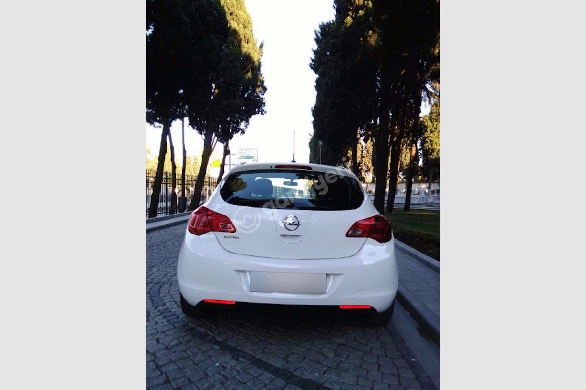 Opel Astra Gaziosmanpaşa Kiralık Araç 7. Fotoğraf