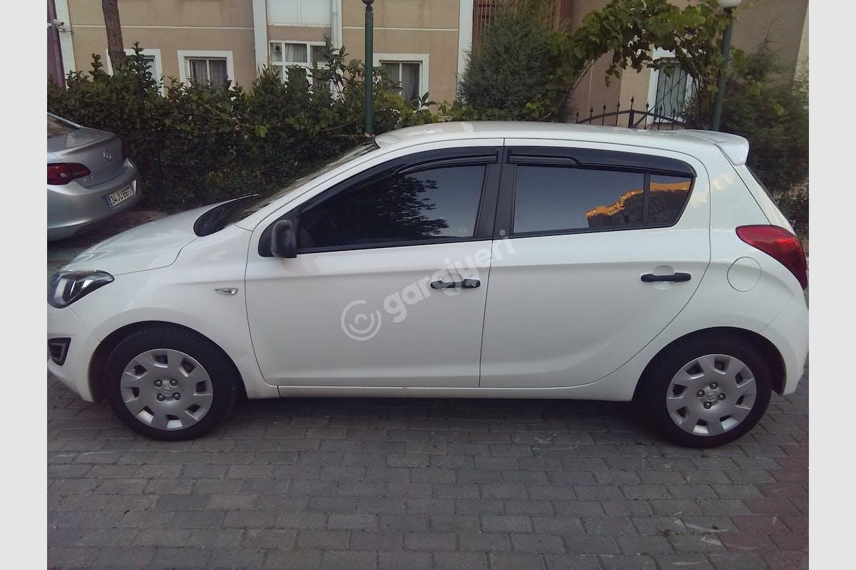 Hyundai i20 Beylikdüzü Kiralık Araç 2. Fotoğraf