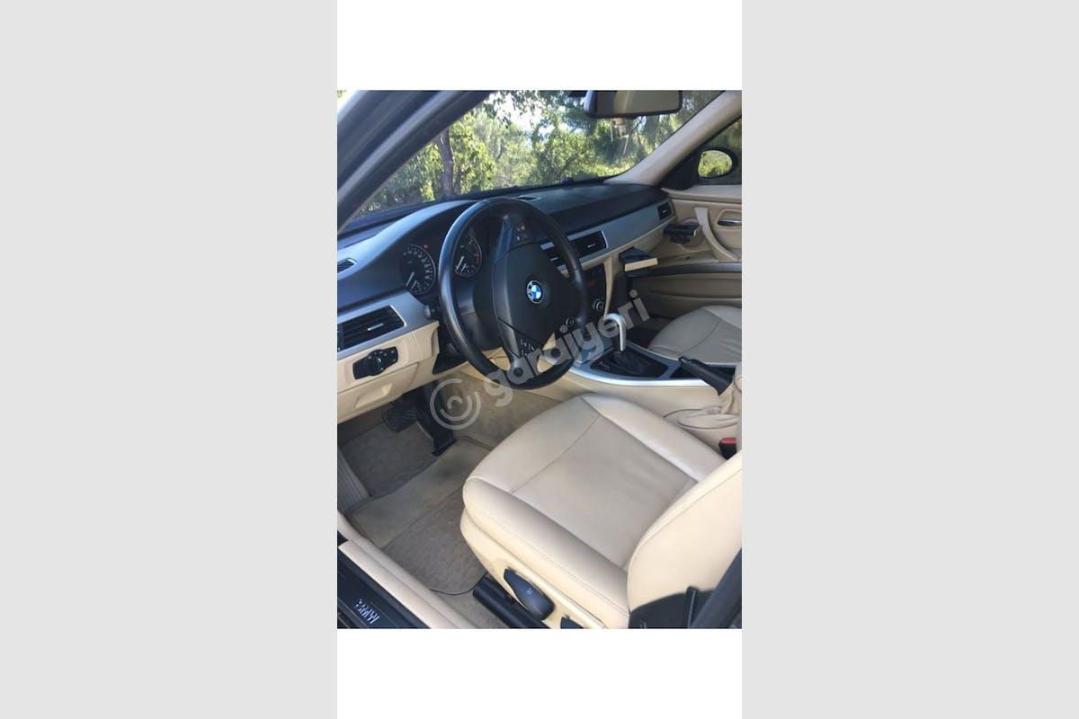 BMW 3 Ödemiş Kiralık Araç 2. Fotoğraf
