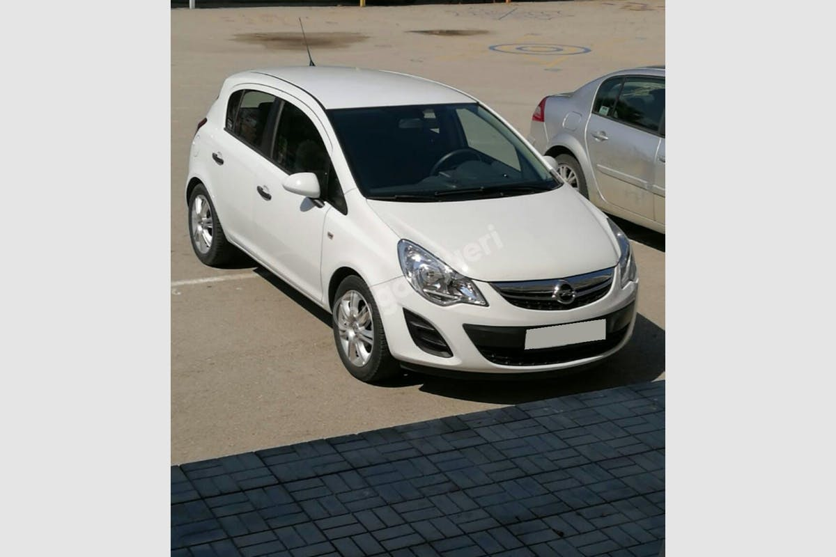 Opel Corsa Kartal Kiralık Araç 4. Fotoğraf