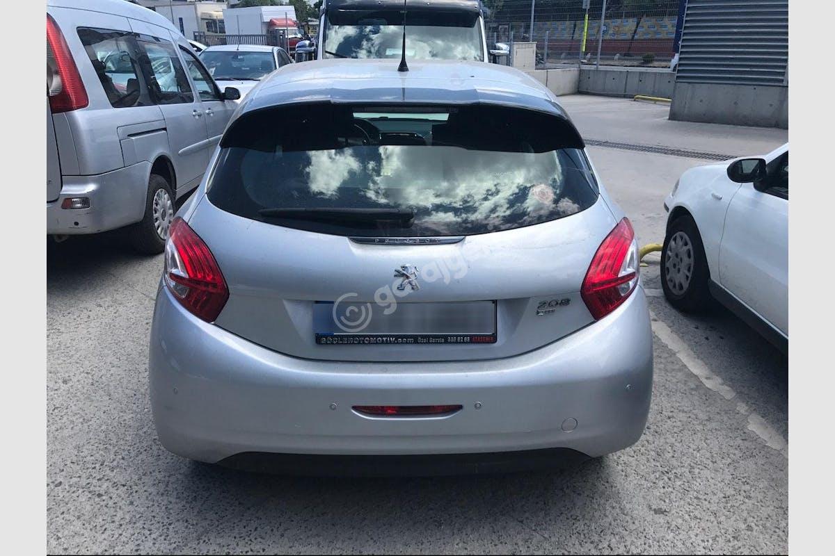 Peugeot 208 Ümraniye Kiralık Araç 5. Fotoğraf