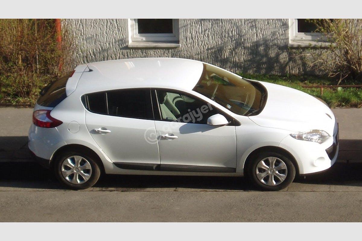 Renault Megane Bayraklı Kiralık Araç 1. Fotoğraf