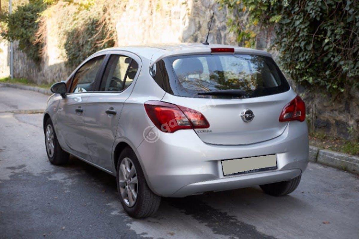 Opel Corsa Zeytinburnu Kiralık Araç 4. Fotoğraf