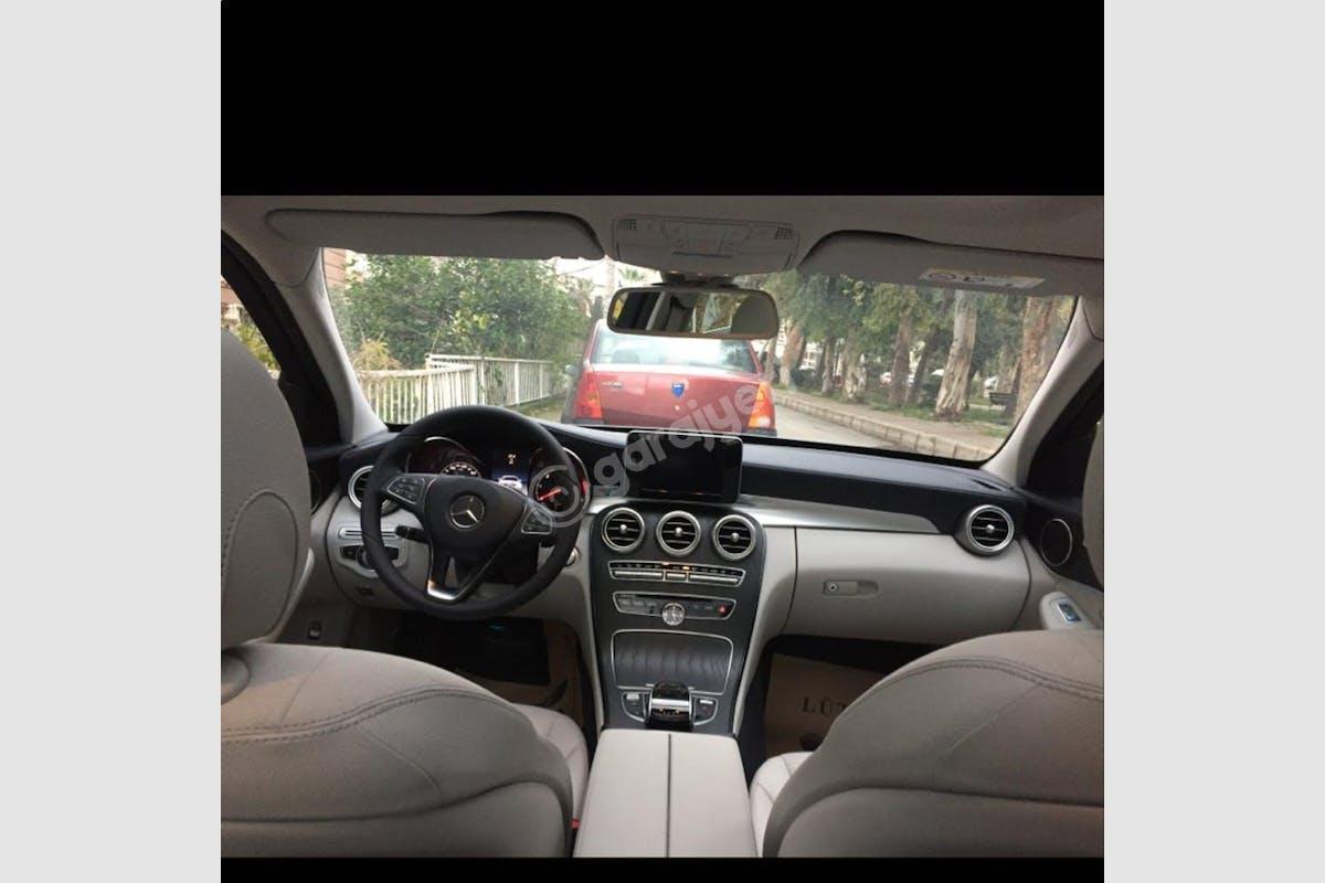 Mercedes - Benz C Karabağlar Kiralık Araç 2. Fotoğraf
