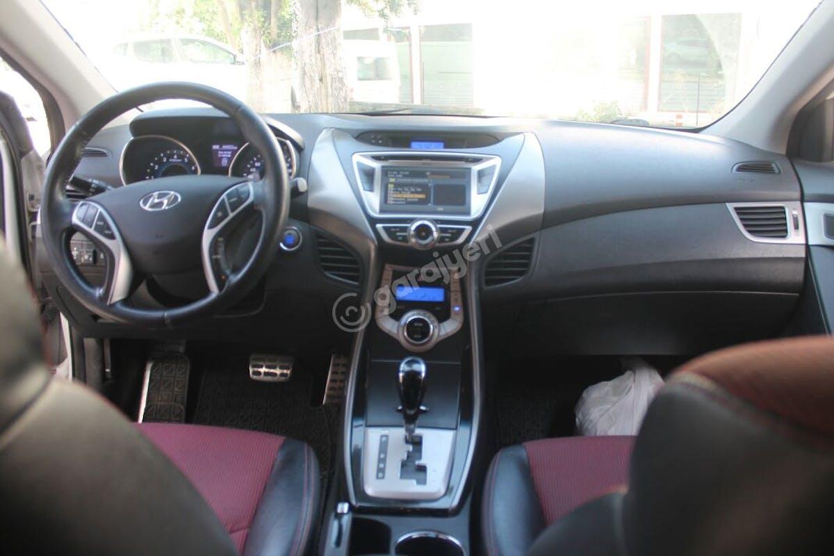 Hyundai Elantra Tuzla Kiralık Araç 3. Fotoğraf
