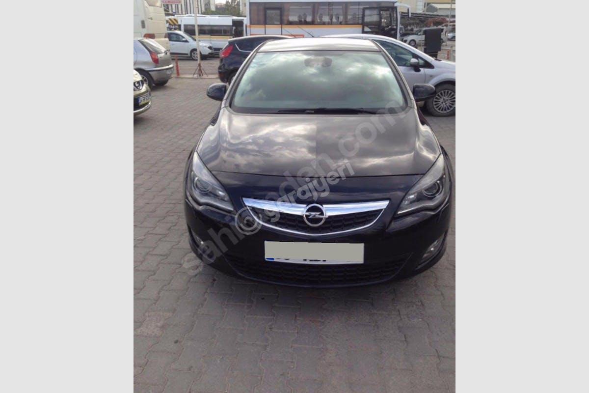 Opel Astra Konak Kiralık Araç 1. Fotoğraf